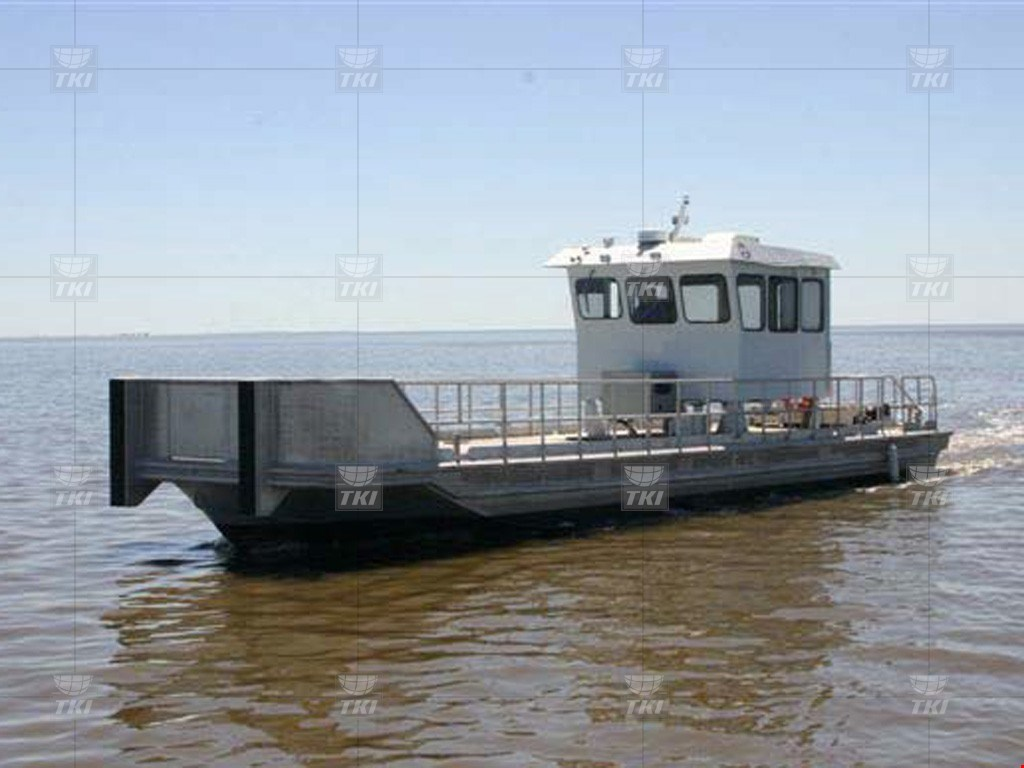 900HP Shallow Draft Aluminum Deck Boat For Sale